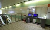 桃園站上網台位於1樓大廳,提供公用筆電上網